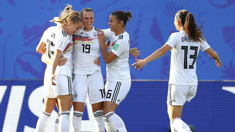 3-0!女足世界杯夺冠大热门晋级,成首支八强队伍,却遭全场嘘声_德国新闻_德国中文网