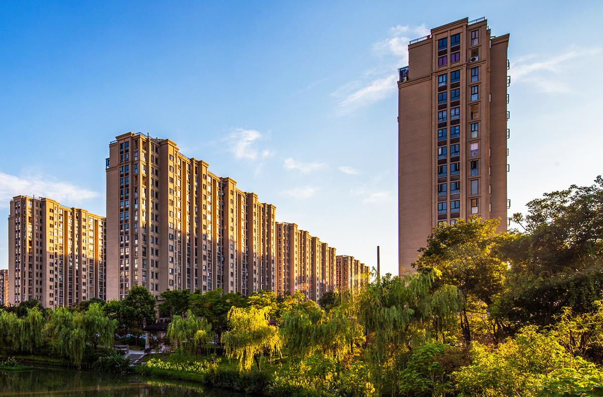 人均住房_中国人均寿命变化图