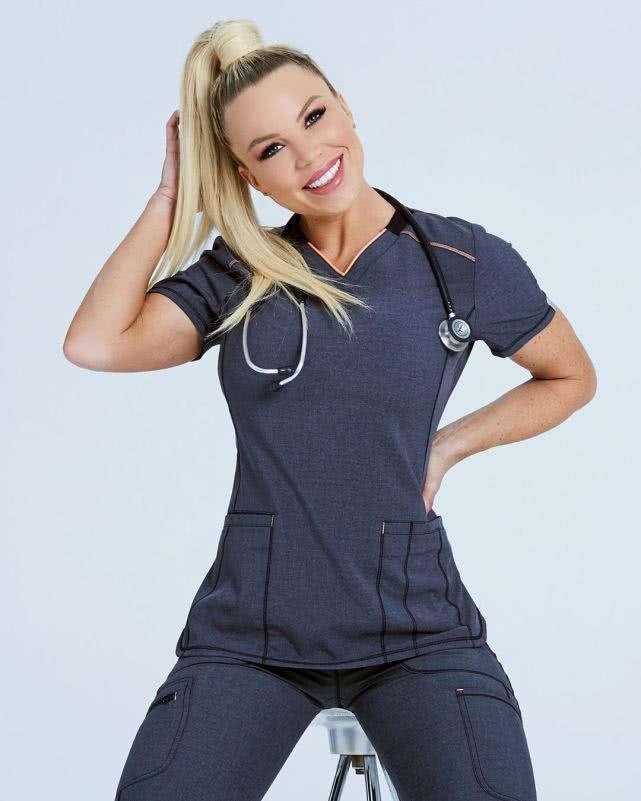 33歲女護士下了夜班就去健身,6年時間練出迷人好身材!