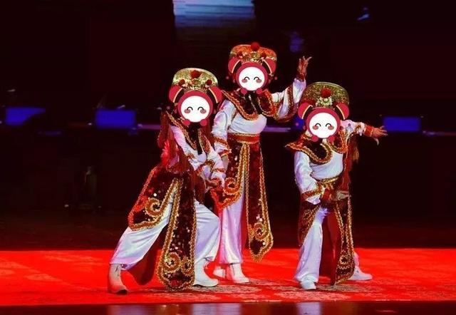 人体艺术之美乳_00 :义乌之心一楼中庭 柔术表演《敦煌》 吸收了敦煌壁画人体艺术精粹