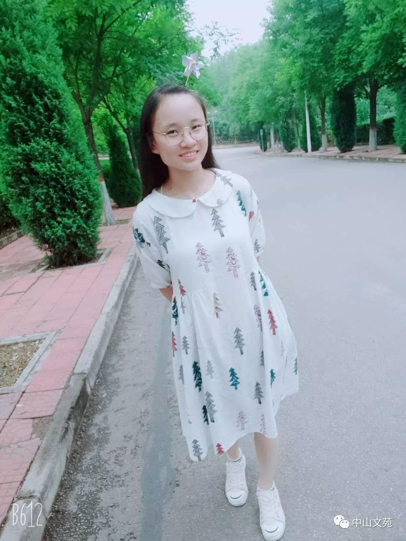 杨子怡 在雨中奔跑的孩子