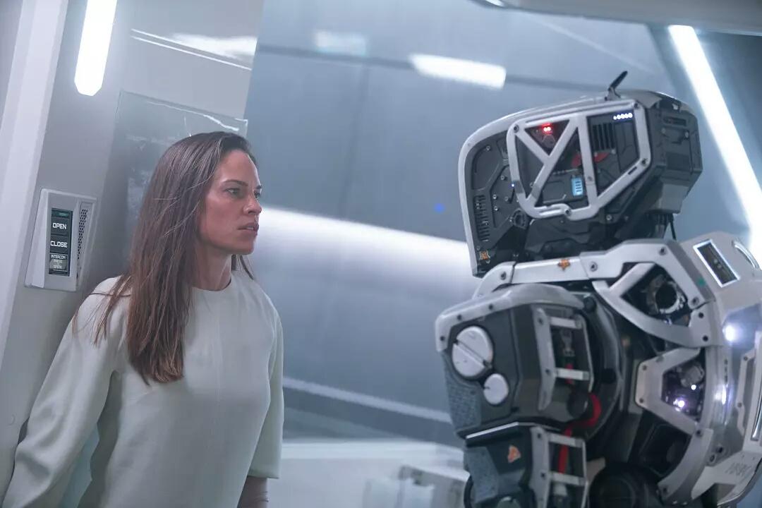 机器人哺育人类?这才是最硬的科幻惊悚片!