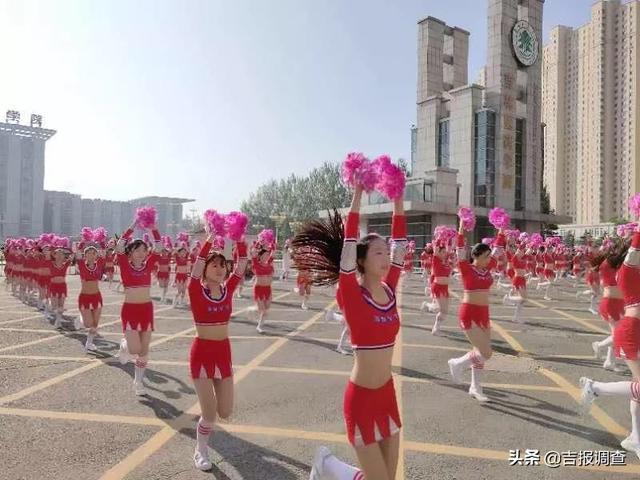 吉林市国际马拉松鸣枪,三万人尽享奔跑盛宴,气势恢弘,故事浪漫