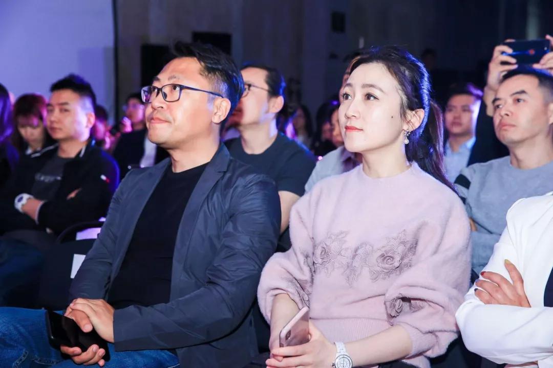 洛可可创新设计集团董事长 洛客共享设计平台创始人 蔡丹枫  枫声图片