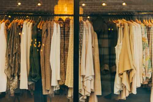 想转行服装时尚行业,服装搭配师入行指南