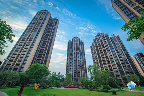 正文  中泰创立于1992年,是一家以房地产开发为主导,多产业并行的集团