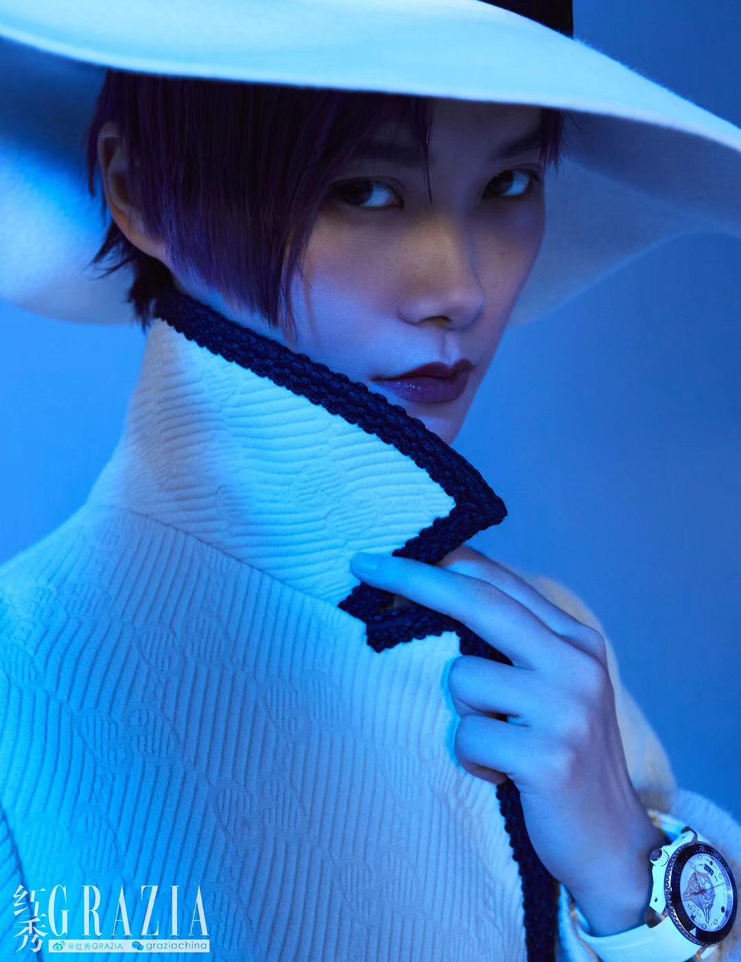 李宇春最新时尚大片,夏季将荧光色玩转到底!