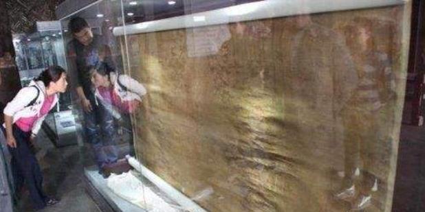 历史上孙殿英盗慈禧墓时,随手遗弃的一件东西,后来轰动了考古界