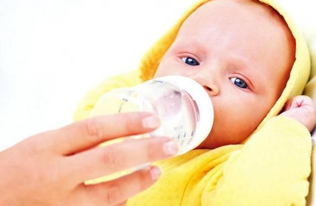 转奶时不注意这些,再好的奶粉也难适应_宝宝