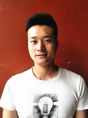 公益 正文  刘大庆,男,1982年11月生,丰县欢口中学语文教师.图片