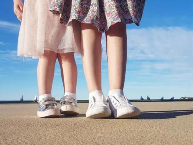 """孩子没病还总喊""""腿疼"""",不是在""""装"""",有这几种情况需谨慎"""