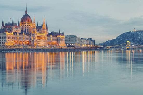 旅游业得以推动一个城市的经济发展