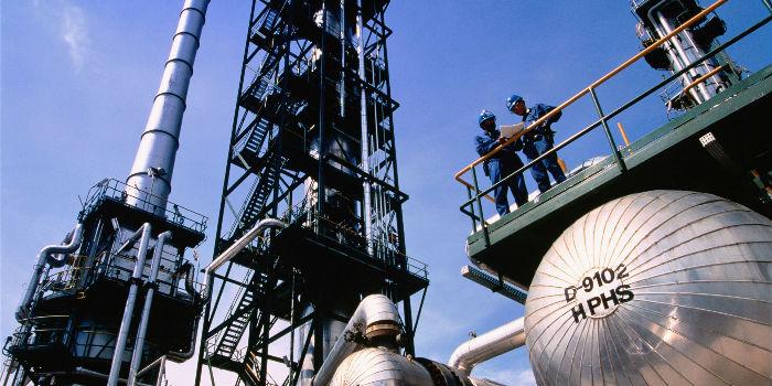 巴西石油直销中国 首船13万吨卸货青岛港
