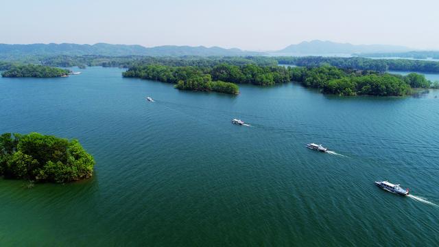 中外名模齐聚南湾湖采风,体验网红打卡项目,掀起文旅创作新高潮!