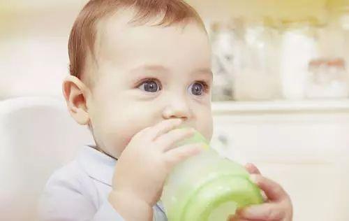 宝宝不喝奶粉真发愁,5个原因,5手准备,让宝宝喝上奶粉!_奶嘴