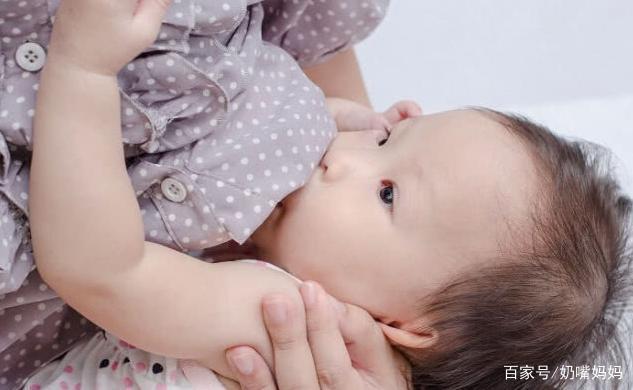 喂母乳時「堵奶」?應當「硬擠」還是丈夫「吸」?許多人都做錯