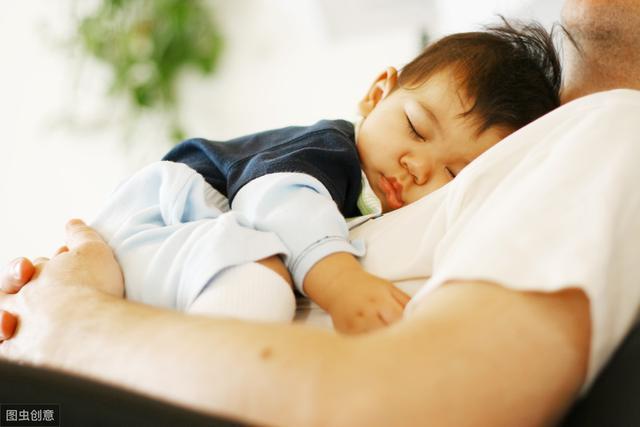 宝宝半夜不睡觉怎么办?原因是什么呢?