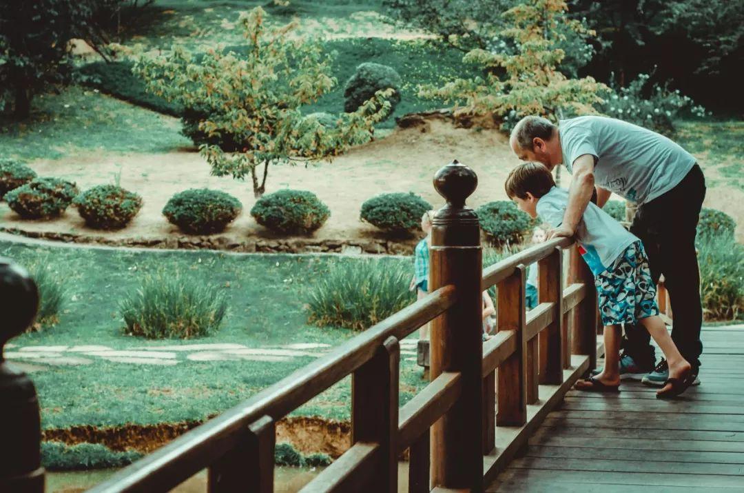 《神隱少女》給無數父母提了個醒:別把孩子忽視成「無臉男」