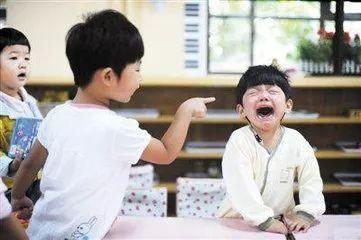 低情商的孩子都有這幾種行為,傢長再不看就晚了!