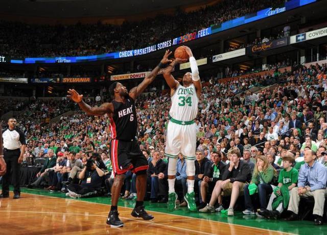 "NBA十大擅长""斗牛""高手排名:杜兰特仅排第3,榜单第一当之无愧"