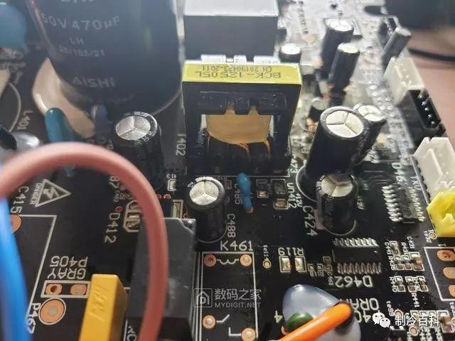 格力空调电容器_比格力便宜1600元,小米一级能效空调拆机详解!_室内机