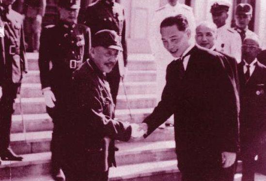 此人是汪伪政府四把手,做事稀里糊涂,日本人和蒋介石都不待见他