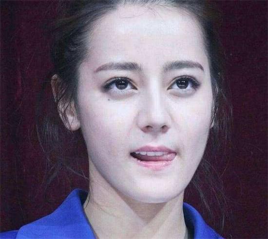 女星卖萌照,杨幂性感颖宝可爱,看到她居然有种初恋的感觉!
