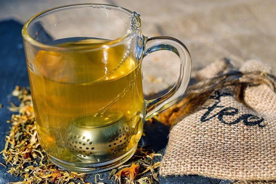 喝茶有讲究,这3种错误的喝茶方式会伤害你的肾脏!