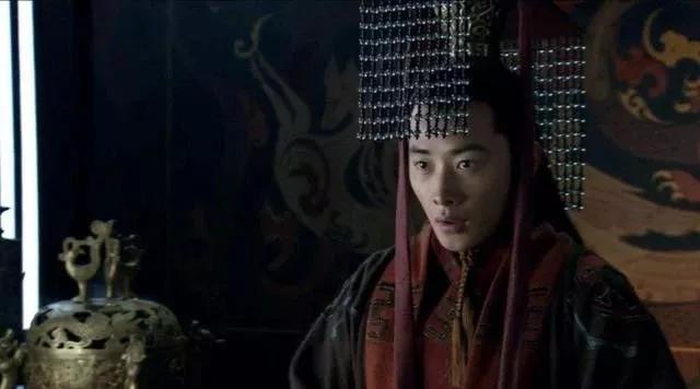 汉献帝最牛的两句话:一句让曹操汗如雨下,一句被后世耻笑千年