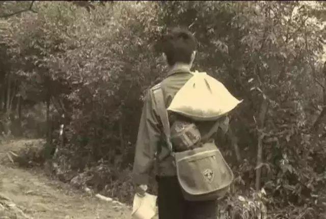 那些年背米带菜去学校的日子,你还记得吗?!