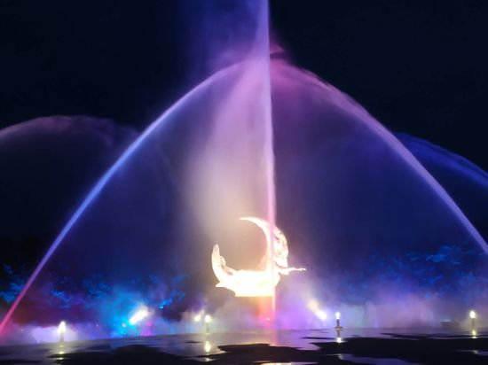 """7月1日起:长春净月潭音乐喷泉与你灯光秀"""""""
