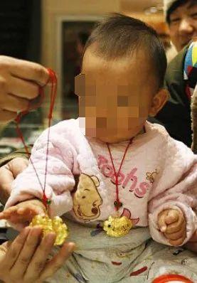 【热点聚焦】警惕!超市里有人带刀片专挑孩子下手!受害人都有这个特点