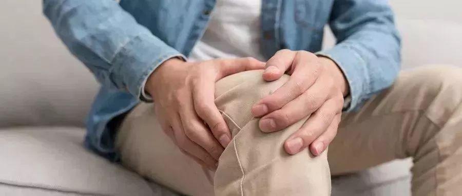 【运动健身】夫妻双双坏膝盖,竟是因为坚持10年的习惯!