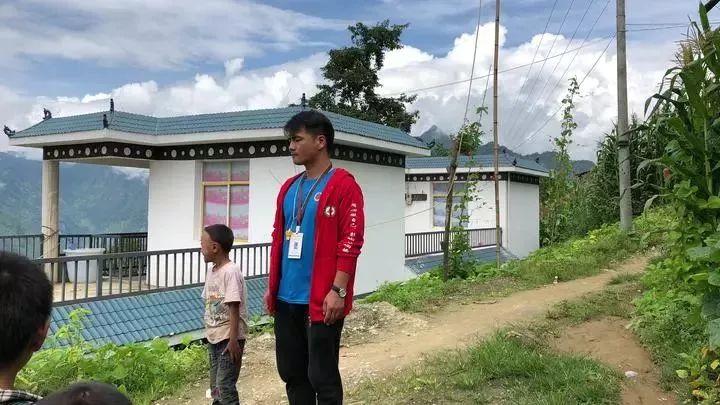 【头条】痛心!信阳一年轻教师不幸遭遇车祸,因公殉职,年仅34岁…