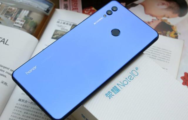 华为荣耀最具性价比的大屏手机,价格大跳水,现已跌至2000元