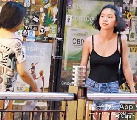 林青霞二女儿近照曝光  千玺解锁新发型