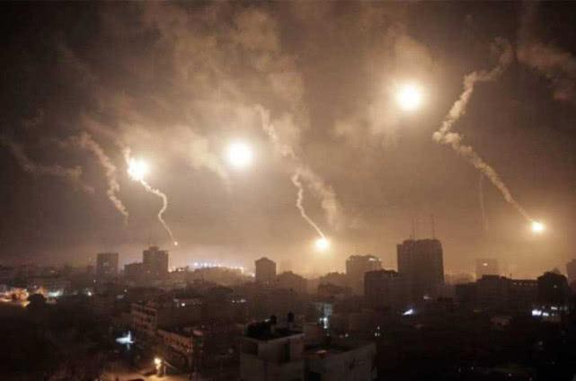 大批导弹从天而降,以色列终于迎来最狠报复,目击者:实在太恐怖