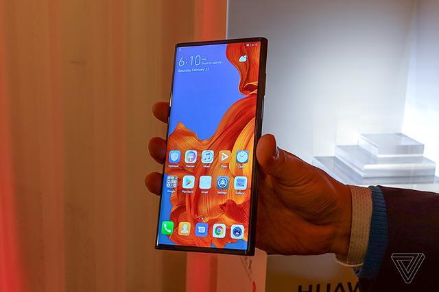 华为Mate X折叠手机即将上市:预计20万部,售价15000元