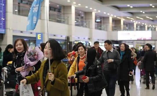 剛接回來沒多久,中國游客又去這旅游,大使館怒了:不管你們了!