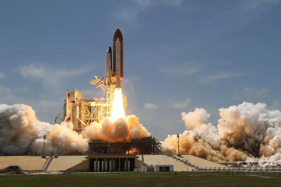 宇宙航天飞机宇航员图片 [查看大图]