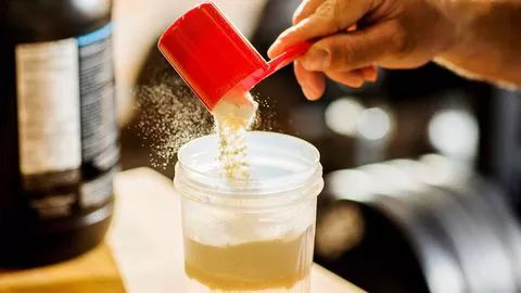 都是奶做的,奶粉和蛋白粉到底什么差别?|入门