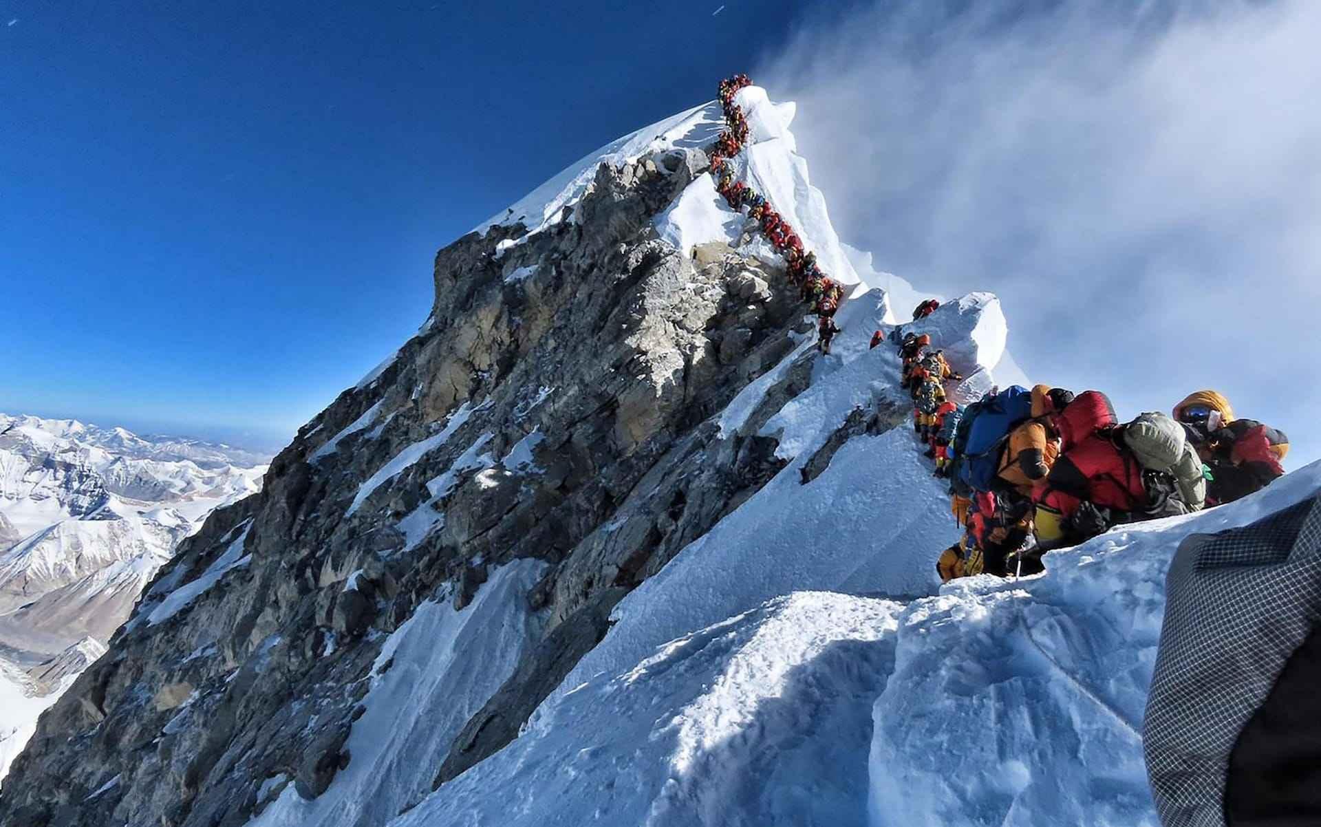 爬珠峰时发生意外的人,尸体是如何处理的?答案很寒心