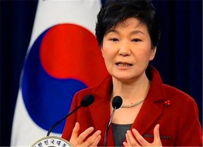 黄教安四次荣登总统候选人榜首,朴槿惠:人在做天在看,希望来了