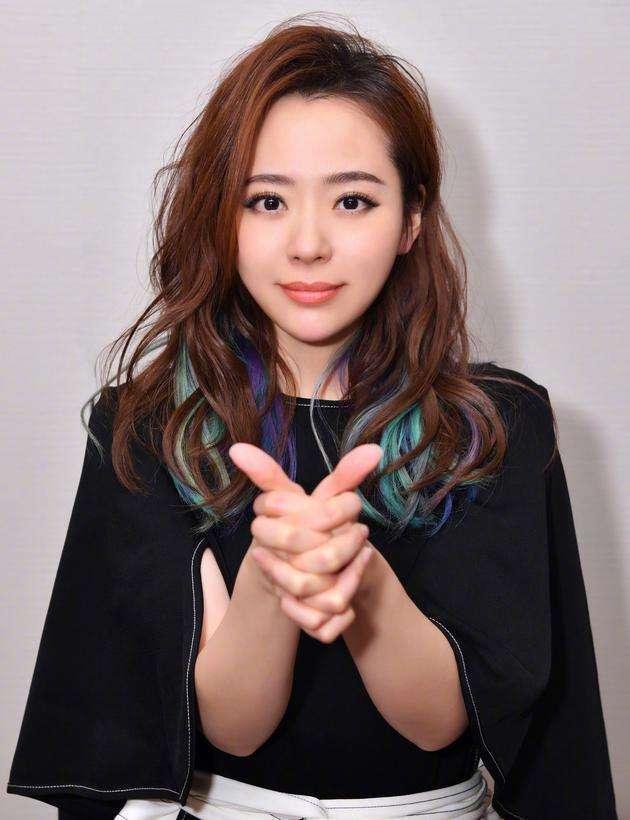 洪辰那届的超女_混得最差的超女冠军:10年后亚军和季军已成为她的导师,尴尬了 ...