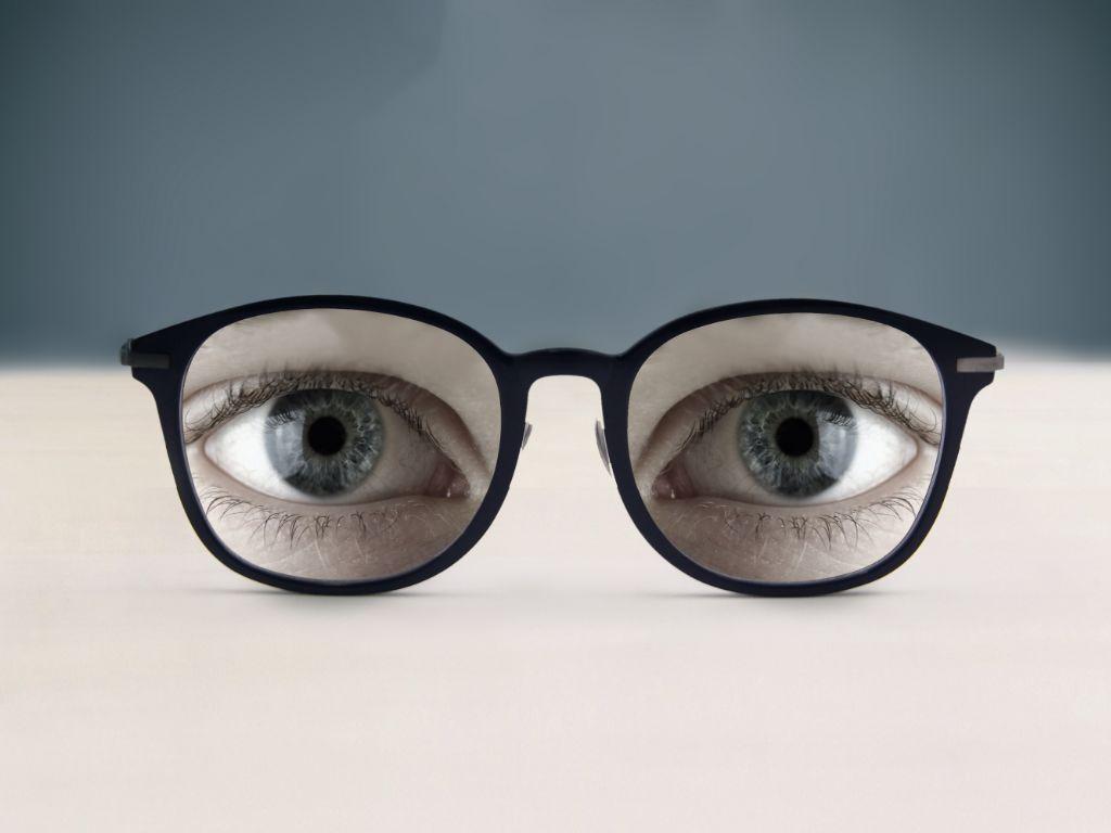 眼球萎缩图片_20分钟孩子眼球被溶化!这东西每家都有,家长千万要警惕!