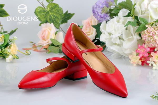 女人天生的鞋子控:迪欧摩尼懂鞋履更懂爱美的你!