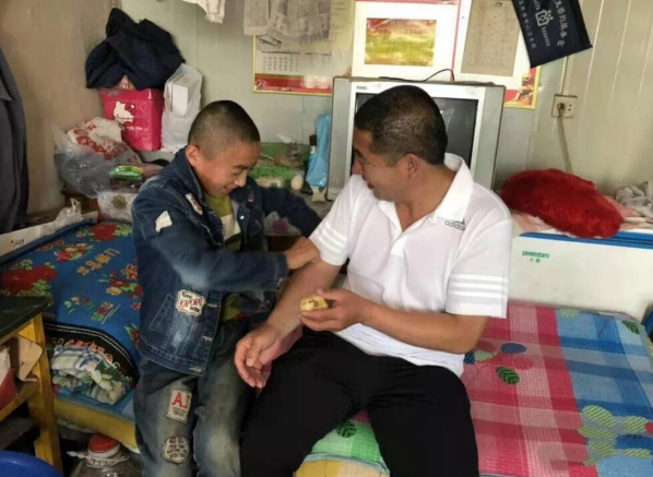 爱心送教 情暖人心——黑龙江克东县特教学校送教上门
