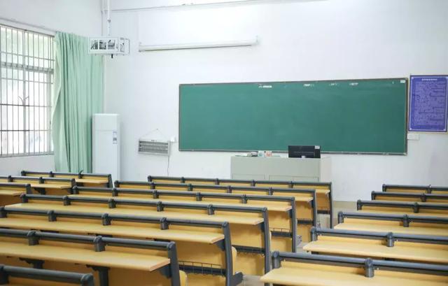 此校打造網紅級教室,桌椅大換,顏值和舒適度飆升