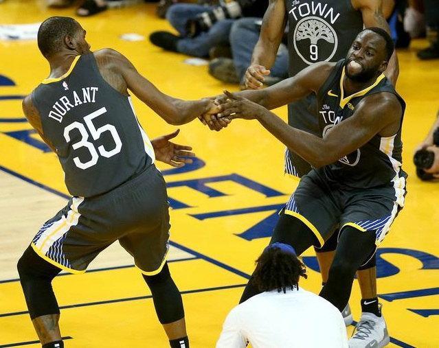 NBA名宿:杜兰特离开是因为格林留队!两人吵架没有和解!