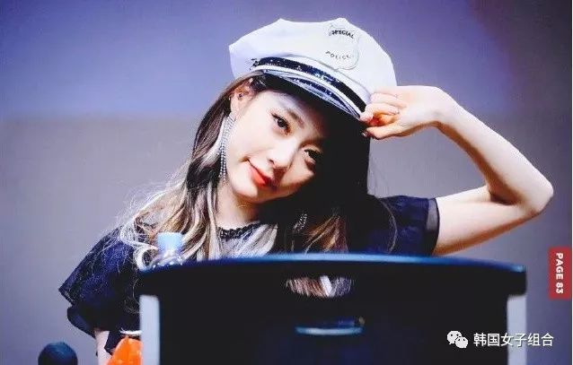 看着也让人心情愉快,韩网热议,她笑起来的样子真的太美了!